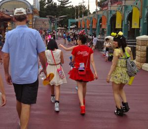 Harajuku girls at Disney Sea