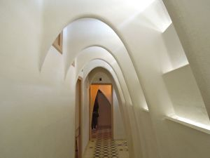 Ribbed arches in the attic hallway