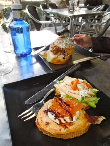 Tomato/goat cheese and tuna pintxos at Victor Montes